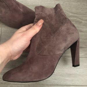 $775 ROBERT CLERGERIE  Ankle Boots  37